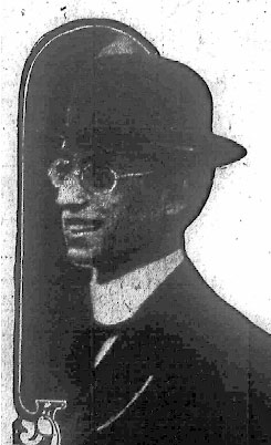 Leo Frank smiles for the camera just one day after the body of Mary Phagan was discovered, Suspicion at that time was directed to his employee, the African-American night watchman Newt Lee.